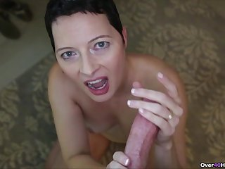 Mature wed with short teem loves to be on her knees giving head