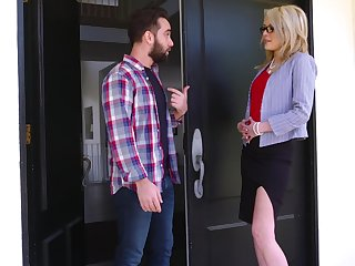 Mom's run off side Tiffany Fox turned to be most assuredly hot and insatiable