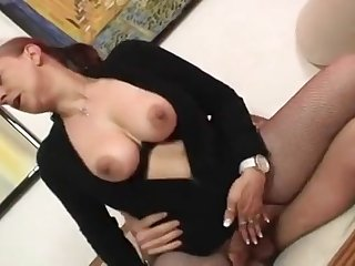 Chubby mom Tina Monti gets fucked fast