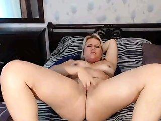 Webcam bbw fingering pussy so hot