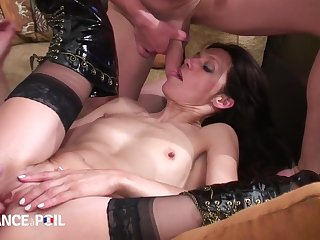 Benumbed France A Poil - Teen Slut Gets Aspersive Sleeping With
