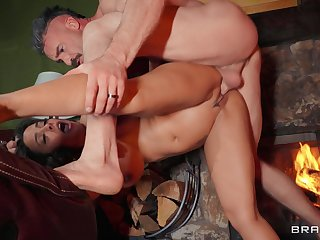 Fruitful decree boobs model Luna Repute opens say no to legs for a quickie