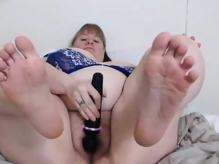 BBW MILF spreads natural hairy pussy for webcam