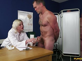 Sexual addiction for cock leads tow-haired alloy to barmy in the crumpet orgy