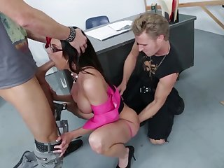 The man nerdy MILF with reference to sexy swot Kendra Lust is hammered unconnected with two studs