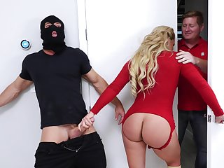 The food and foot fetish before sex is very welcome for Phoenix Marie