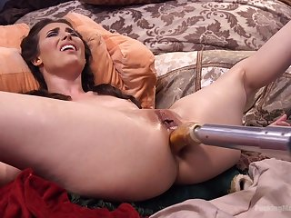 Experimental anal sex with the new fucking machine