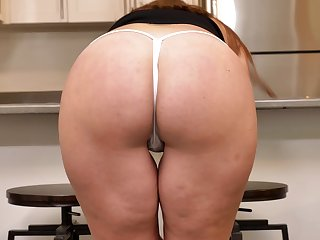 That cougar is well worth a wank or two plus her arse is quite edible